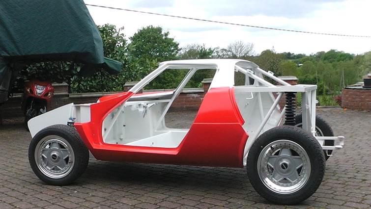 Stratos rolling chassis2 paintwork.jpg